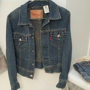 Women's Levi's Jean jacket nwot Med